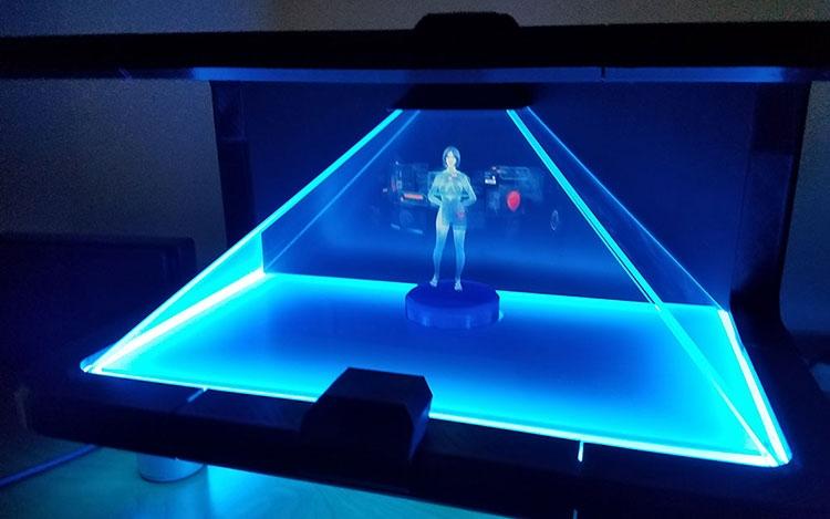 Observa a Cortana convertida en un «holograma»