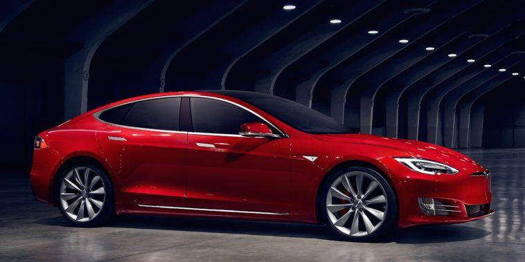 Todos los problemas del Tesla Model S: Un hombre documenta un año de desperfectos con su coche Tesla