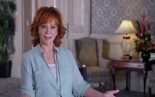REBA MCENTIRE  - BARB & STAR GO TO VISTA DEL MAR