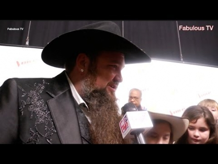 EXCLUSIVE!!!!!! The Voice finale  Sundance Head's talks & Blake Shelton too!