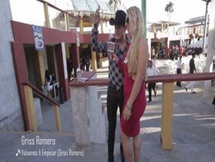 #OnTour de Griss Romero y Chayin Rubio en los Premios de la Calle 2015 en Rosarito, Baja California.  https://youtu.be/cr17fMlgxHs