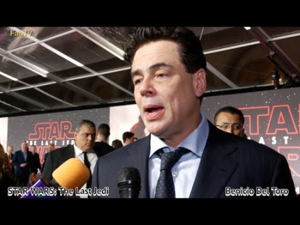 Benicio Del Toro at STAR WARS: The Last Jedi premiere ( In Spanish)
