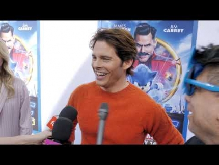 "James Marsden on the blue carpet of ""SONIC"""