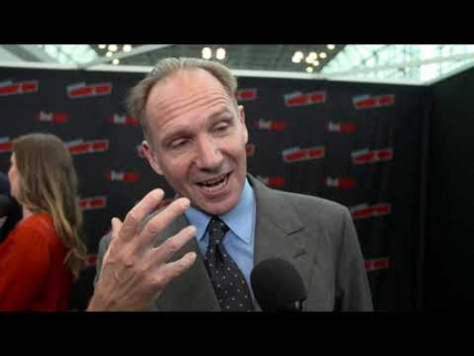"Ralph Fiennes reveals ""The King's Man"" at NYCC"