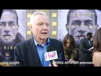 Jon Voight at the 'KING ARTHUR' premiere on FabulousTV