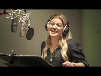 "Kelly Clarkson ""UGLY DOLLS"" live recording for the movie"