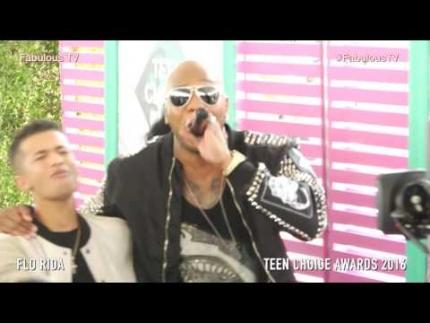 'Flo Rida' singing on the teal carpet at Teen Choice Awards 2016