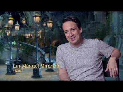EXCLUSIVE! Mary Poppins green screen with Lin Manuel-Miranda