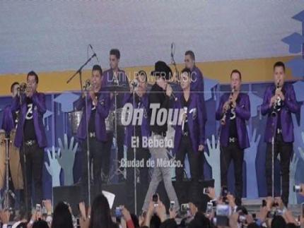 El Bebeto en el evento Bécalos en México, D.F.  #OnTourHaz click aquí...http://youtu.be/9dwQ9vyLtxI