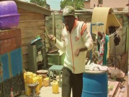Criss Waddle - 3shi Shi [Best Ghanaian dance video]