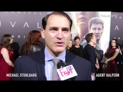 Michael Stuhlbarg  plays Agent Halpern  in the new film 'ARRIVAL' on Fabulous TV