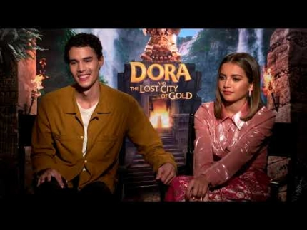 "Isabela Moner and Jeff Wahlberg ""DORA and the lost city of..."