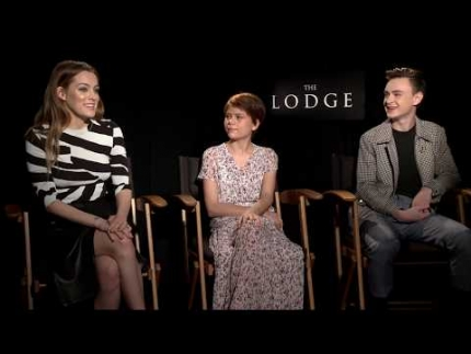 THE LODGE - Riley Keough, Lia McHugh & Jaeden Lieberher