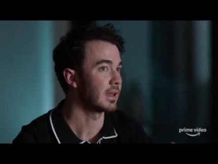 "Jonas Brothers ""Chasing Happiness"" in Texas"