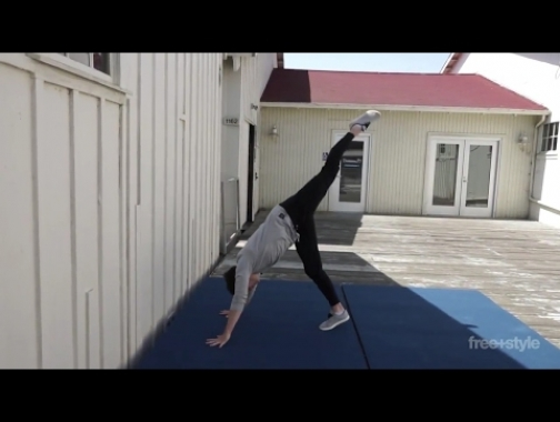 WALL HANDSTAND SET UP