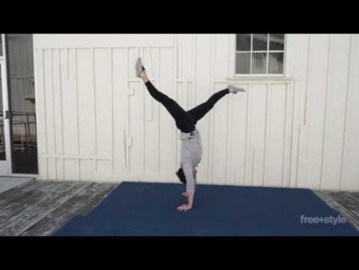 HOW TO BALANCE IN A HANDSTAND