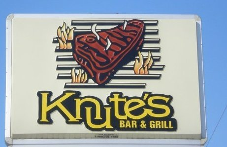 Knutes Bar and Grill