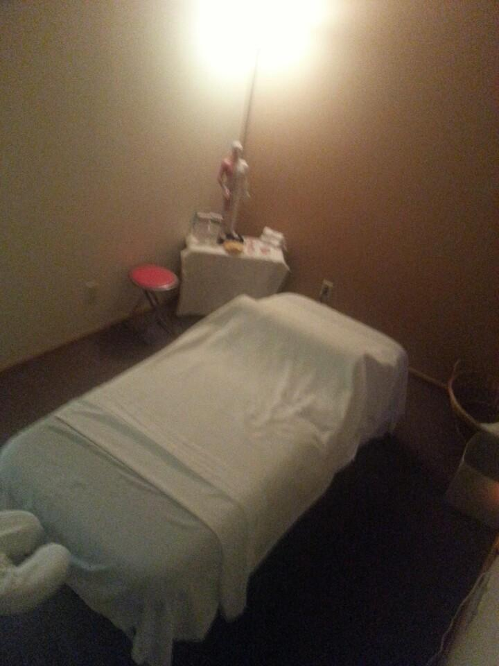 Aaahhh Therapeutic Massage