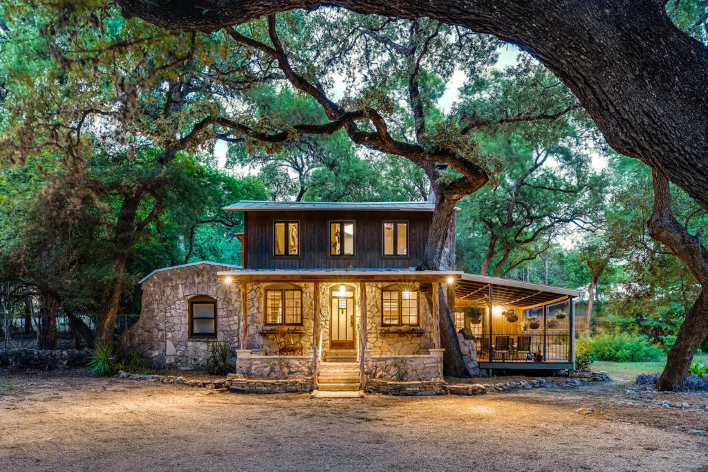 real_estate_enchanted_cabin_virtuance_1