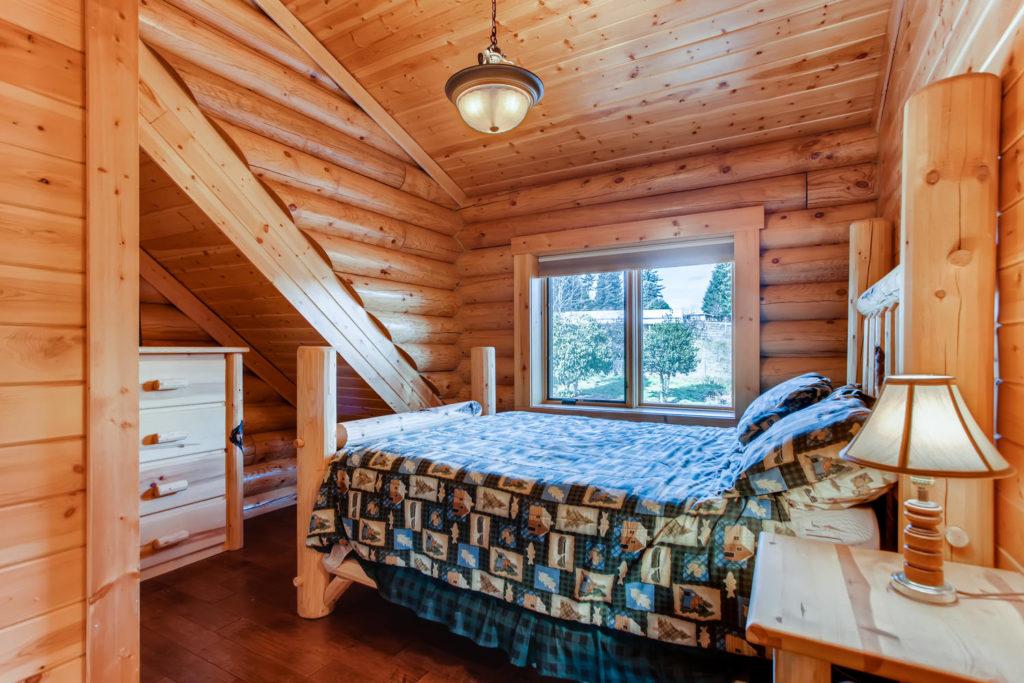log cabin bedroom - virtuance - top listing images