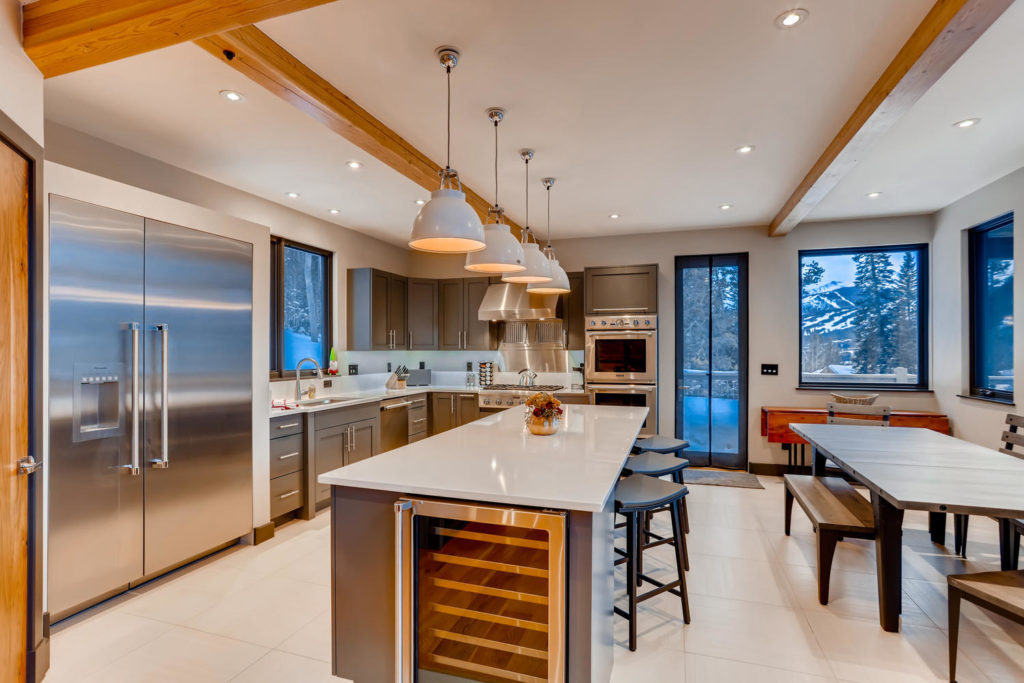 real estate listing image of kitchen in mountain home - virtuance