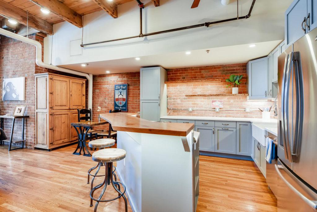 Industrial Kitchen in Loft