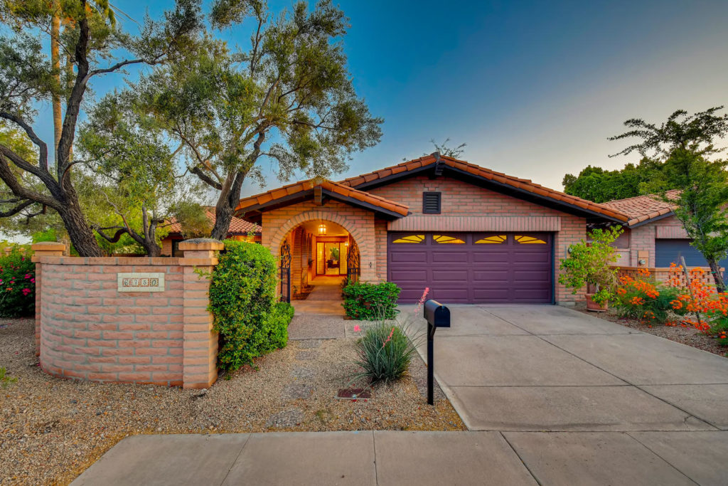 Phoenix style home with landscaping