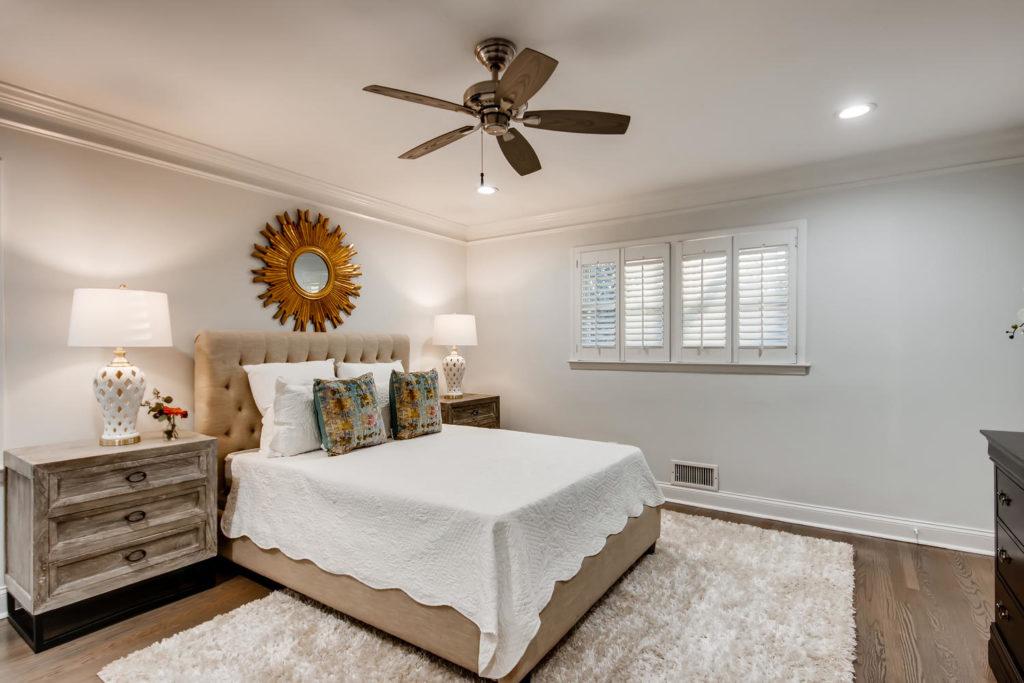 Atlanta bedroom with white duvet