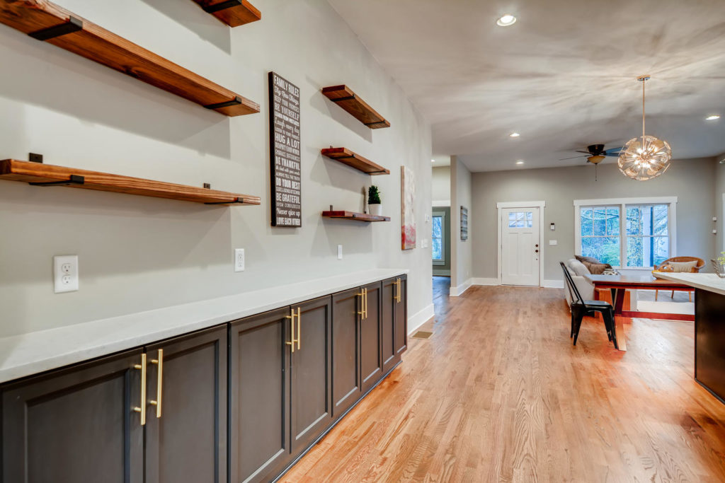 Atlanta kitchen with butlers pantry