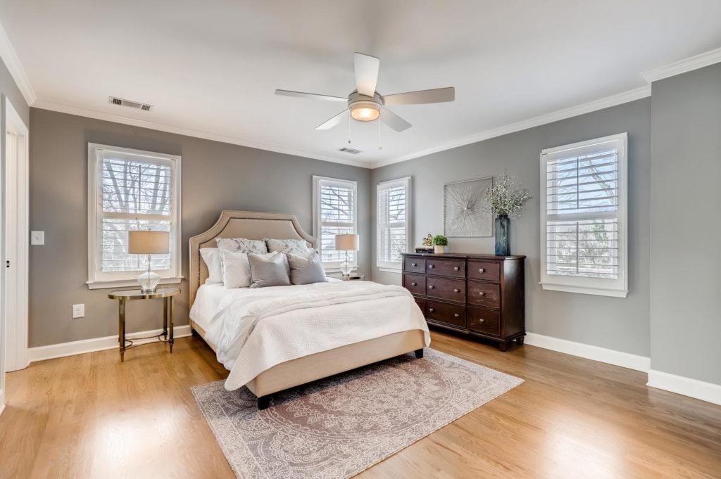 Atlanta bedroom with windows