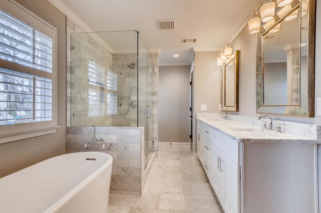Large bathroom in Atlanta home