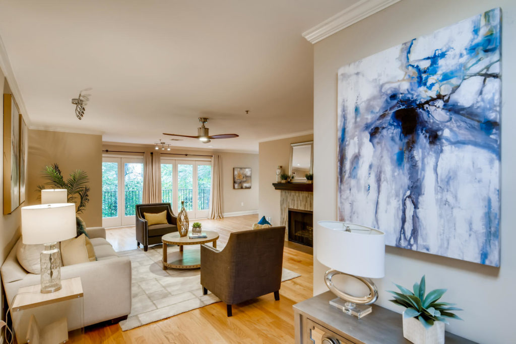 Living room with large abstract painting - Atlanta