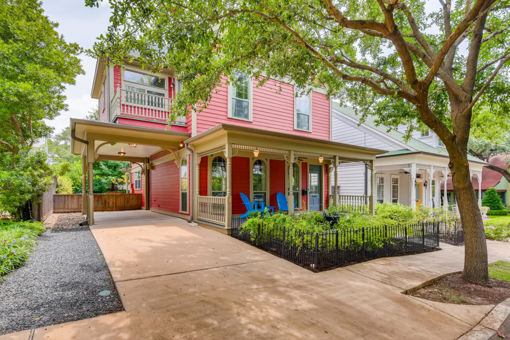 red house in Austin tx - real estate image