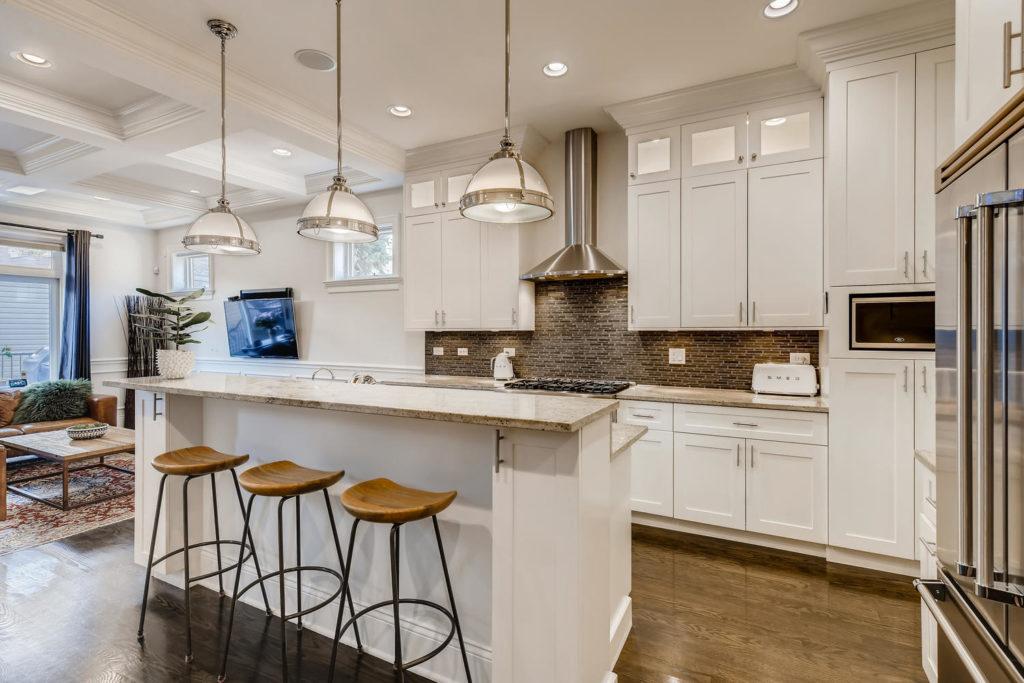 modern kitchen in Chicago - real estate image