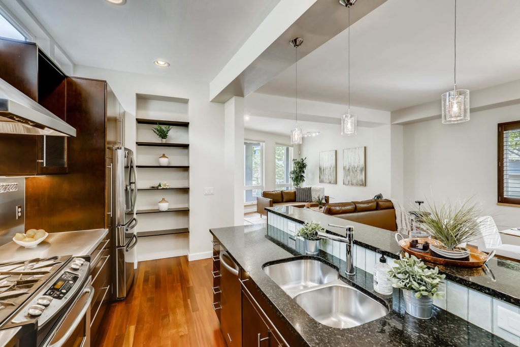 Real estate photography - kitchen open shelving