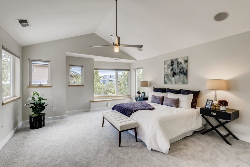 real estate photography - bedroom