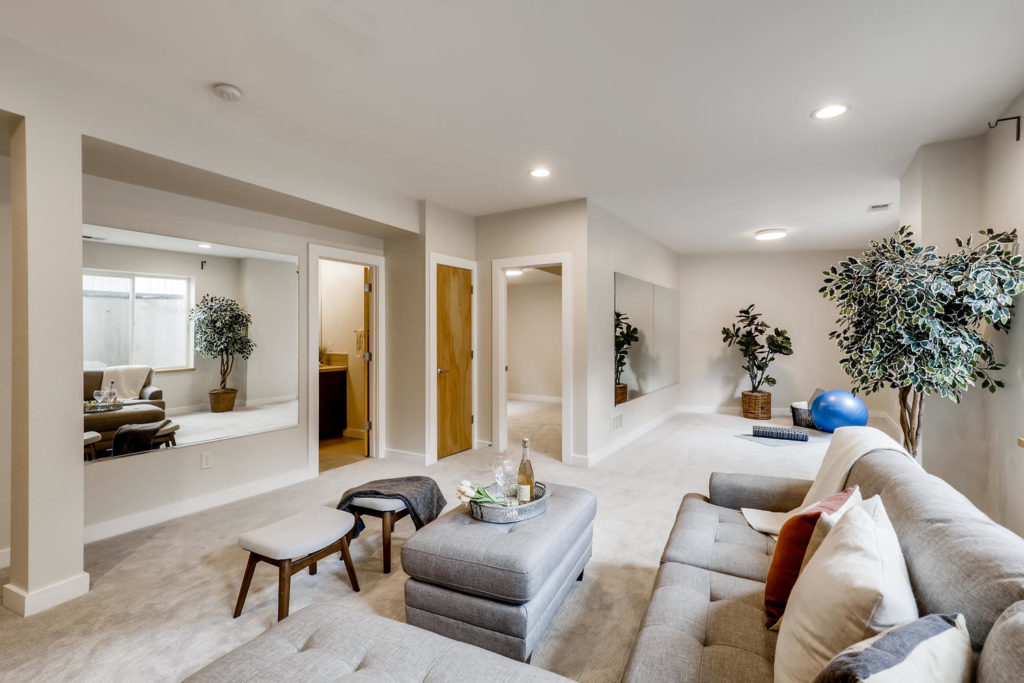 real estate photography - flex space