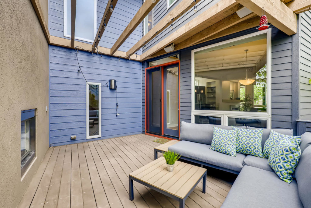 real estate photography - patio deck