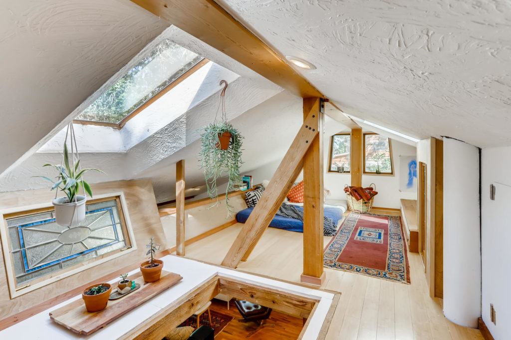 real estate photography - lofted bedroom