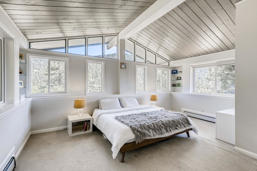 real estate photography - bedroom mid century modern