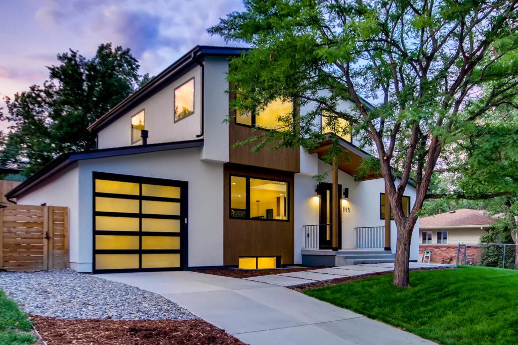 real estate photography - boulder home at twilight