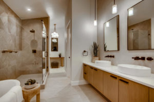 real estate photography - bathroom,