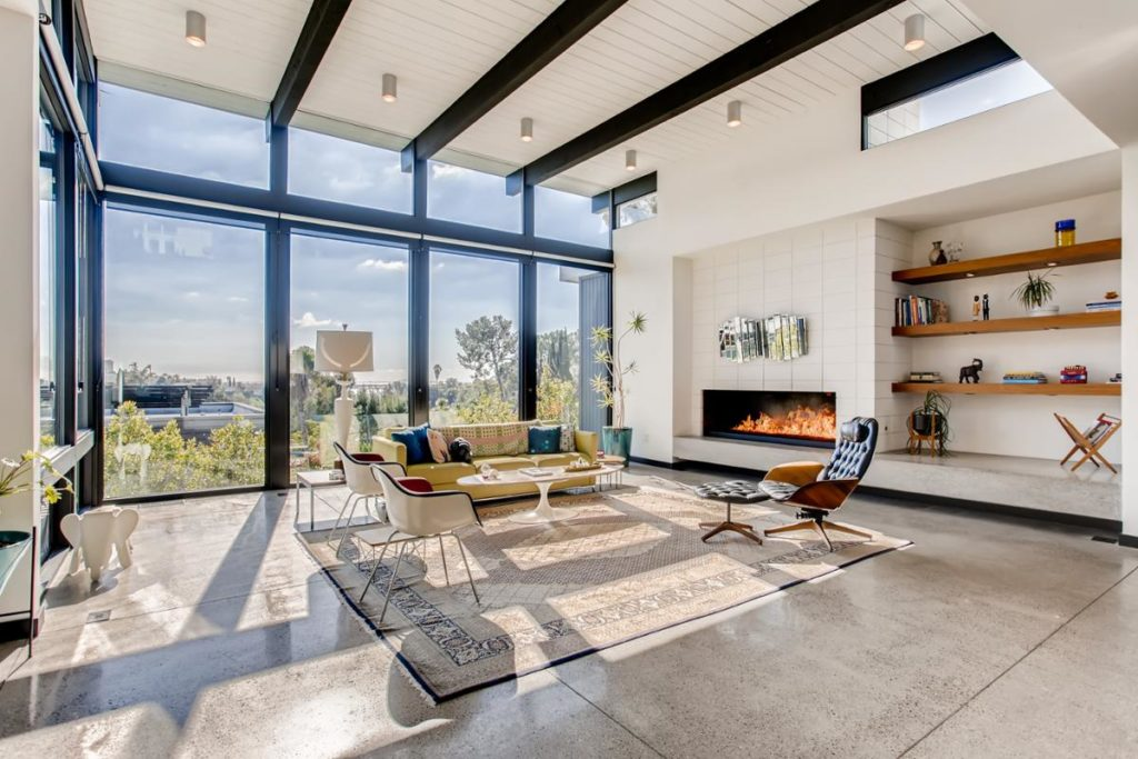 Living room with windows - virtuance