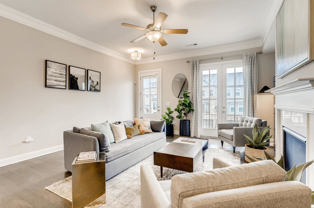 staging listing - curtains - spring