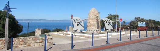 Old harbour cannons3
