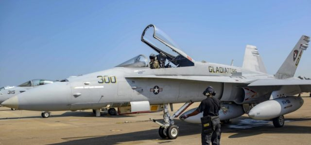 After 30 years Navy flies F/A-18C Hornet for the final time