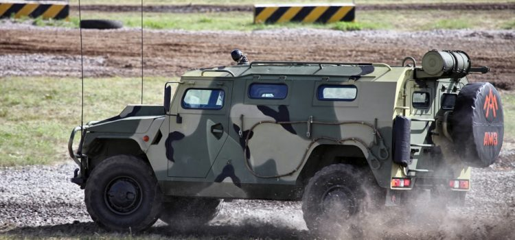 Russian Commandos Speed Around in Jeeps, Armed With Mines