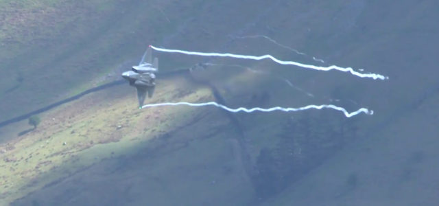 Watch F-35 Stealth Fighters Tear Up the 'Mach Loop'