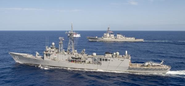 US destroyer joins Australian frigate for training in Philippine Sea