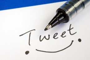 stockfresh_1041934_write-the-word-tweet-and-draw-a-happy-smile_sizeXS
